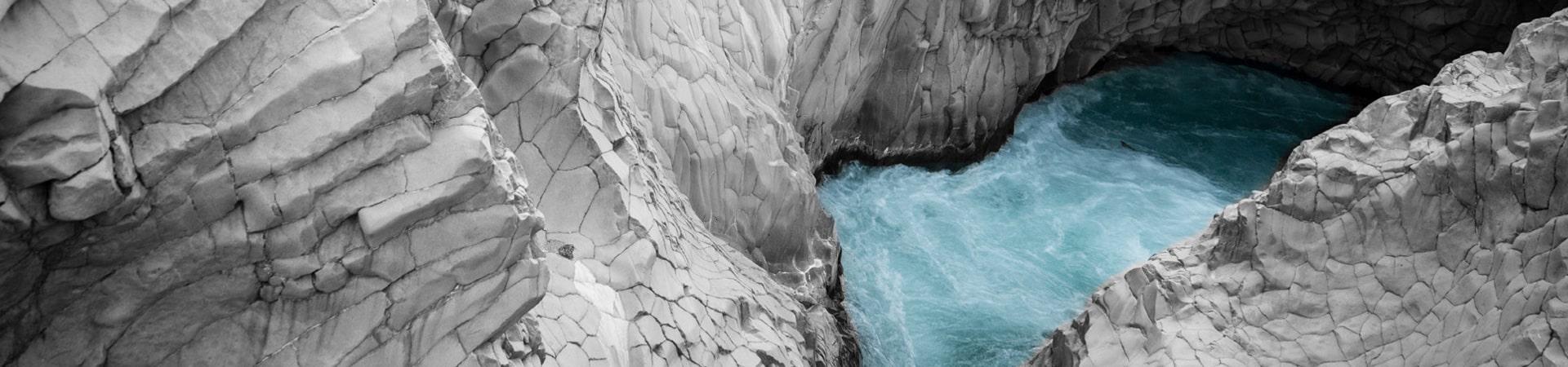 gole dell'alcantara fiume sicilia etna