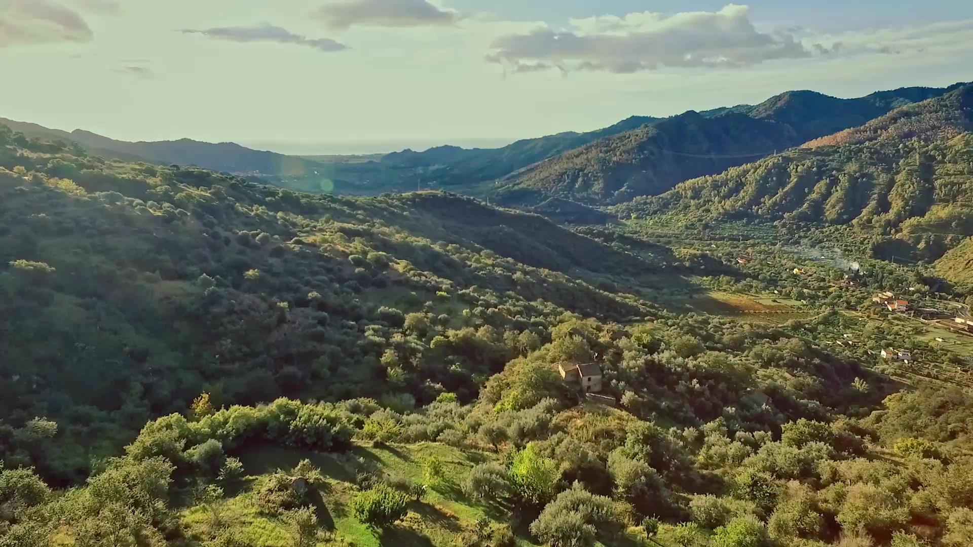 valle alcantara sicilia taormina